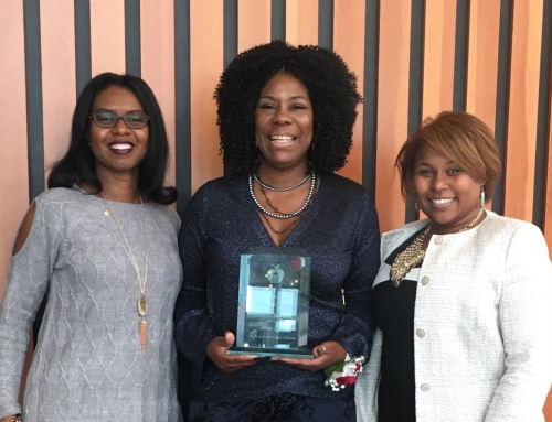 Freda Mills Receives Austin ISD's Unsung Hero Award